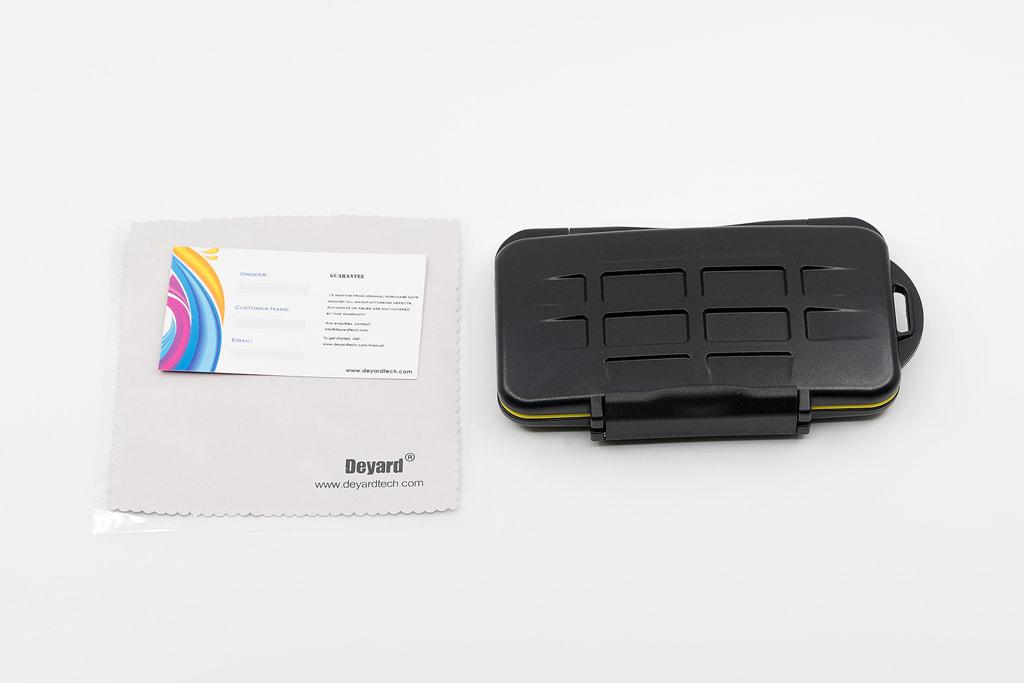 Deyard 防水SDメモリーカードケースの内容物